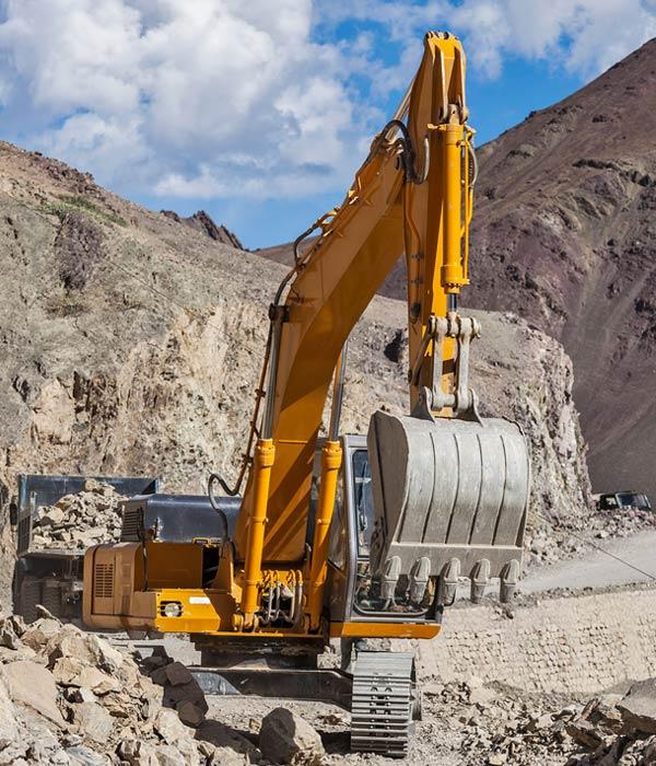 road construction in himalayas QDEHVB2